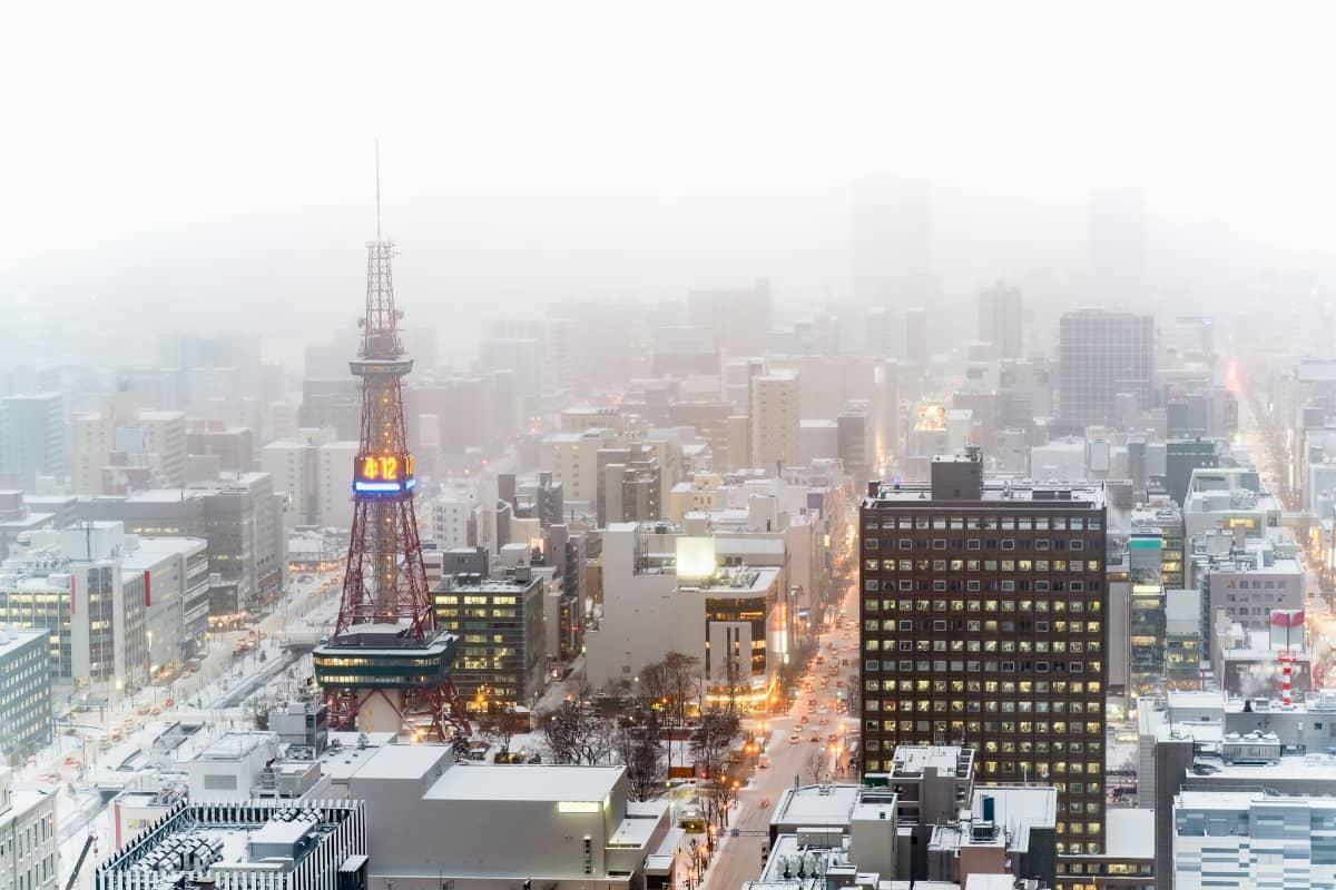 冬の極寒も落ち着き、観光もグルメも満喫できる札幌