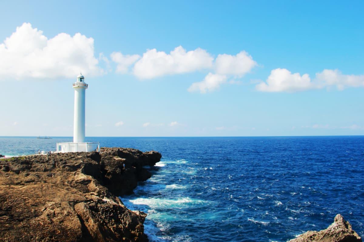 景勝地でもある「残波岬」周辺は有名なダイビングポイントが多数!