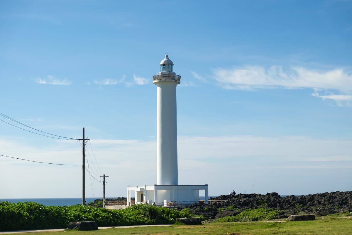 残波岬は豊かな自然が残る観光スポット