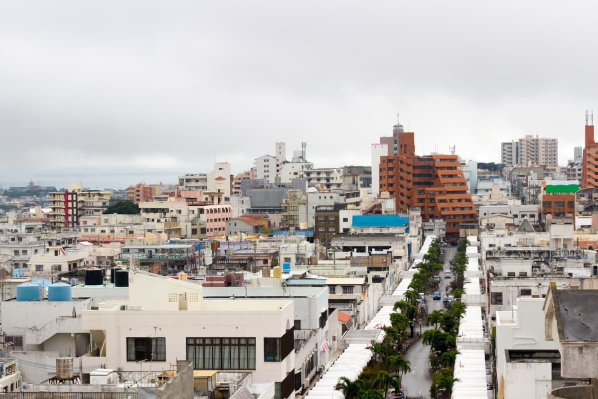 日本とアメリカの文化が融合したディープな街コザへ!