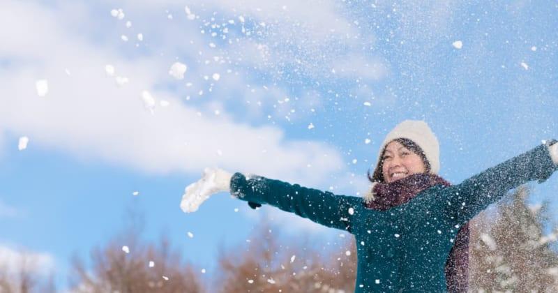 冬の東北で快適に過ごすために最適な服装とは