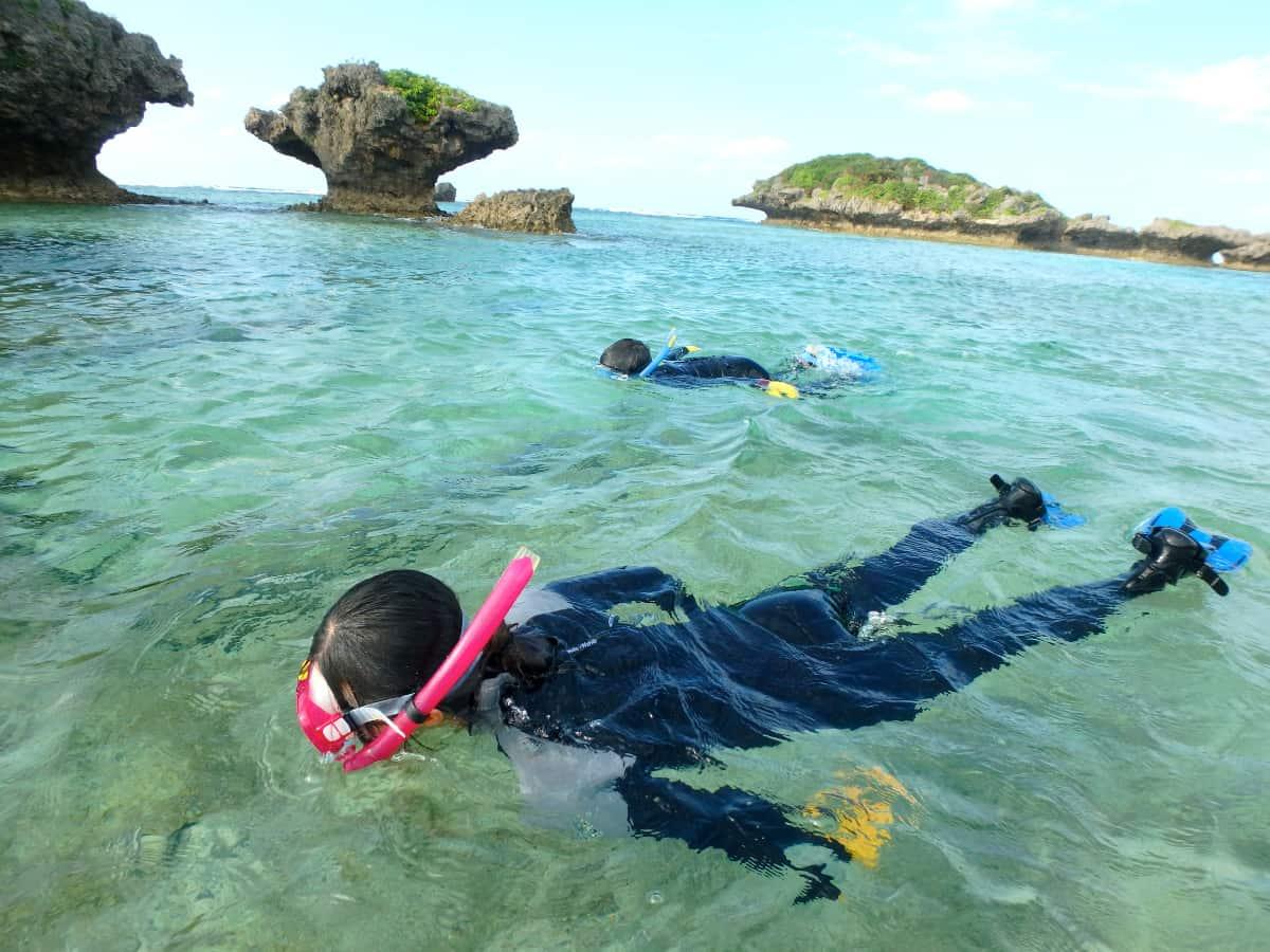 安全対策をしっかりとしつつ、読谷村で沖縄の海を満喫!