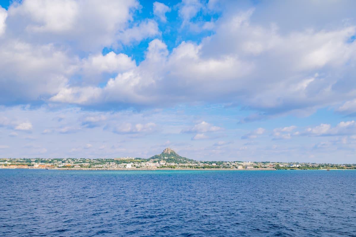 伊江島(いえじま):那覇空港から車で1時間30分、船で30分