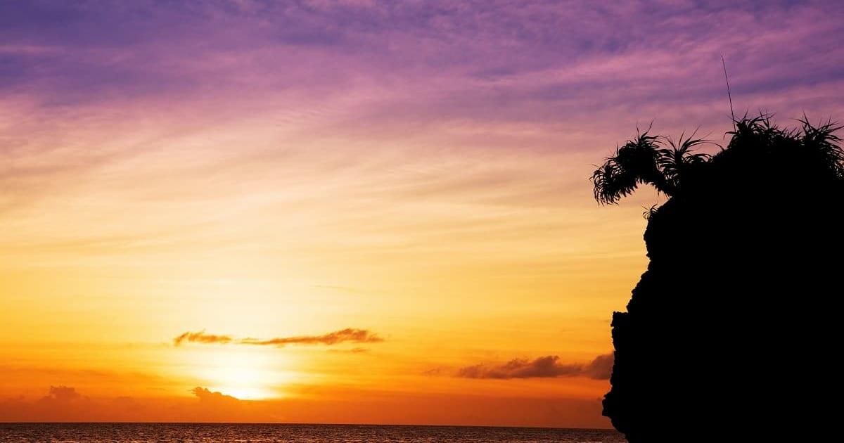 圧巻の夕日や満点の星空に感動!宿泊におすすめの沖縄離島