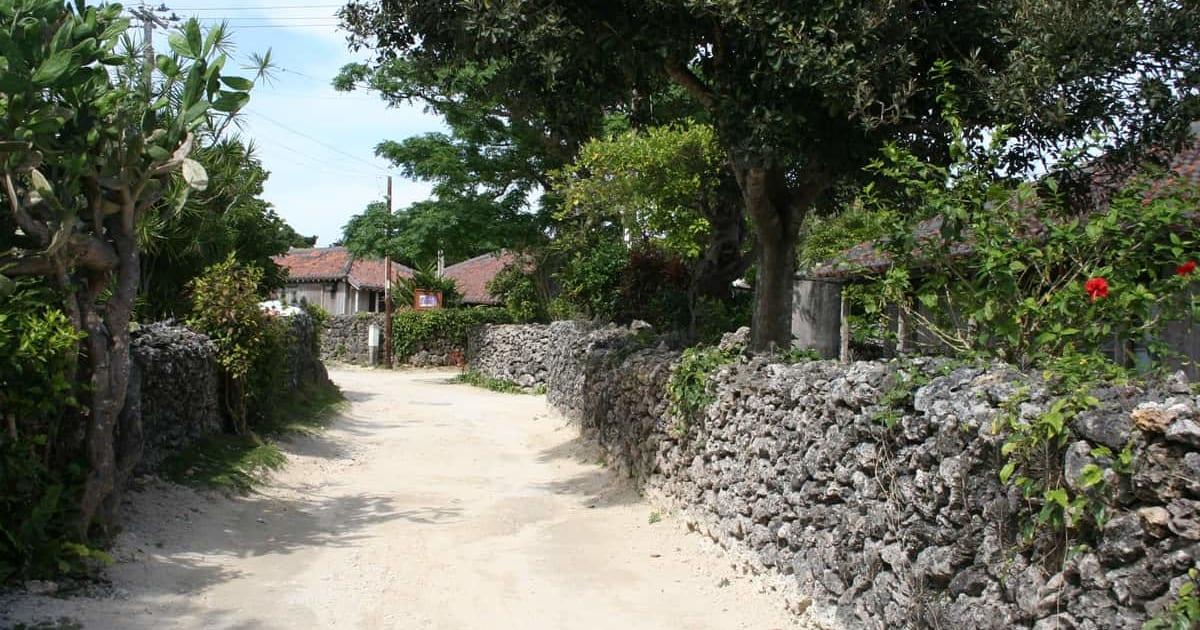 小浜島ってどんなところ?アクセス、観光スポットとおすすめホテル