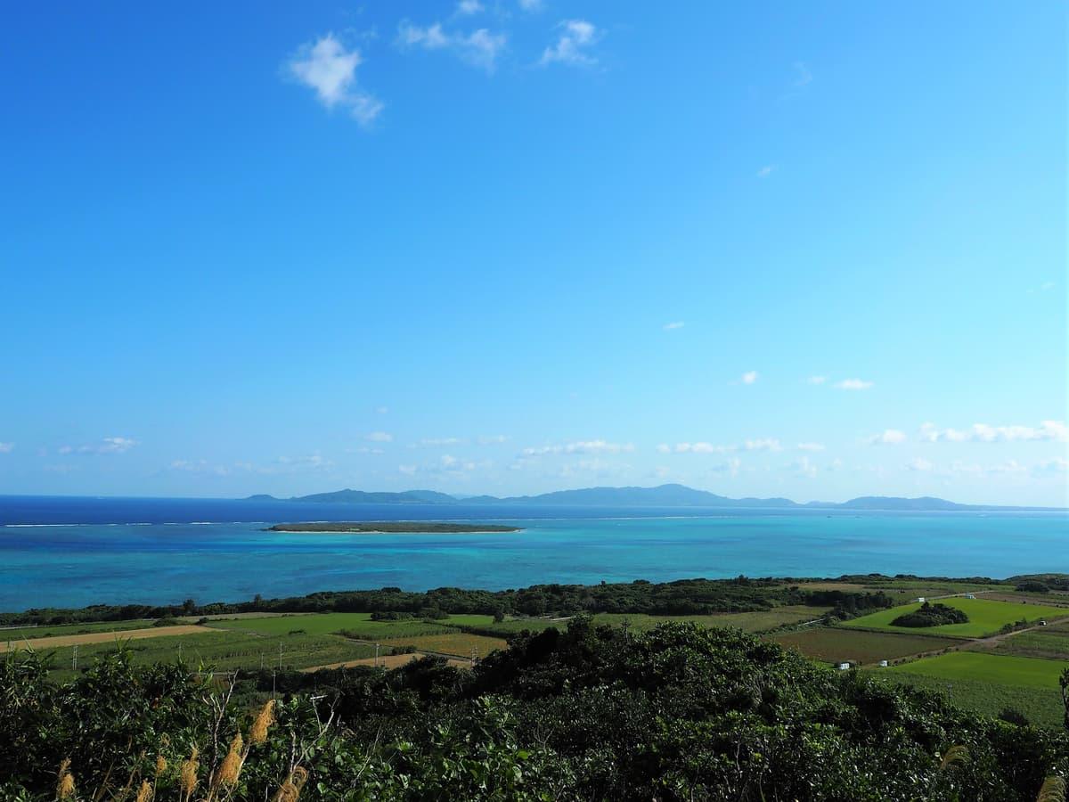 八重山諸島を見渡せる展望台「大岳(うふだき)」